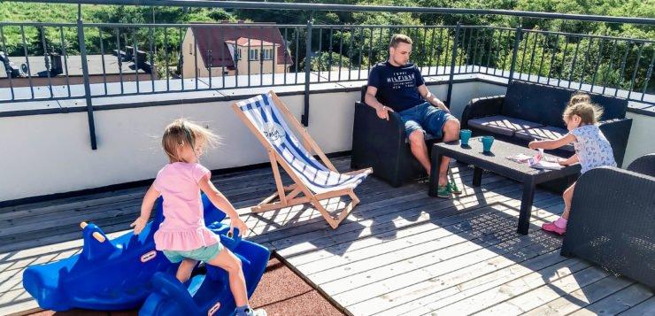 Noclegi nad morzem dla wymagających rodziców, czyli Dom Wczasowy Pasja w Jastrzębiej Górze