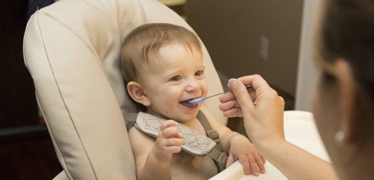 Jak wybrać pierwsze sztućce dla dziecka?