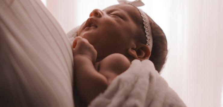Jak wybrać smoczek dla noworodka?