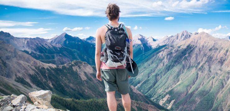 Dlaczego tak chętnie nosimy plecaki?