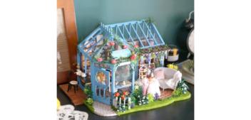 Miniaturowe domki. Alternatywa dla smartfona?